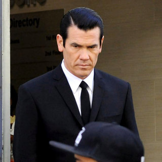 Josh Brolin in On The Set of 'Men in Black 3' Shooting in NYC
