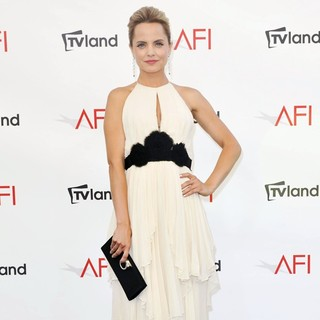 Mena Suvari in The 40th AFI Life Achievement Award Honoring Shirley MacLaine