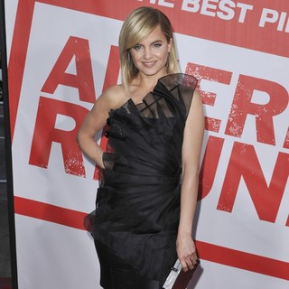 Mena Suvari in American Reunion Los Angeles Premiere - Arrivals