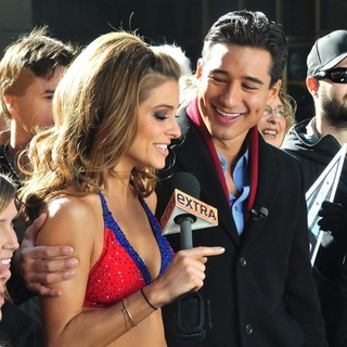 Maria Menounos, Mario Lopez in Maria Menounos Wears A New York Giants Bikini to Film A Segment for Extra