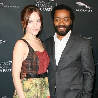 Sari Mercer, Chiwetel Ejiofor in 2014 BAFTA Los Angeles Awards Season Tea Party