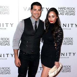 Jesse Metcalfe, Cara Santana in Jesse Metcalfe Celebrates His Birthday