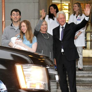 Marc Mezvinsky, Chelsea Clinton, Hillary Clinton, Bill Clinton in Chelsea Clinton Leaves Lenox Hill Hospital