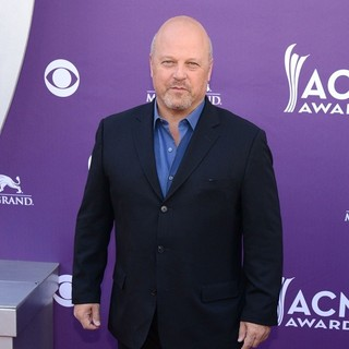 Michael Chiklis in 48th Annual ACM Awards - Arrivals