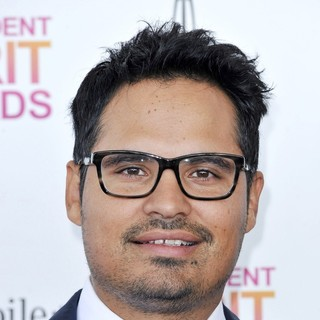 Michael Pena in 2013 Film Independent Spirit Awards - Arrivals