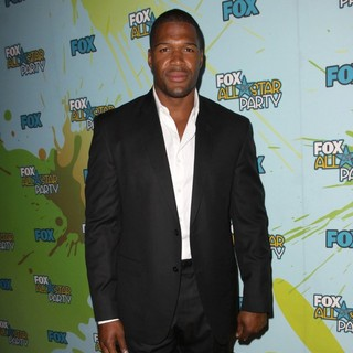 Michael Strahan in The 2009 TCA Summer Tour - Fox All-Star Party - Arrivals