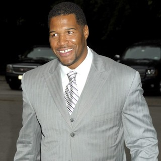 Michael Strahan in The Fresh Air Funds Salute to American Heroes