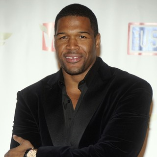 Michael Strahan in VH1 Divas Salute The Troops Presented by The USO - Press Room