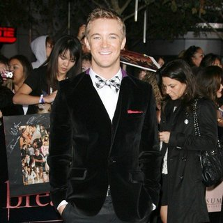 Michael Welch in The Twilight Saga's Breaking Dawn Part I World Premiere - michael-welch-premiere-breaking-dawn-1-02