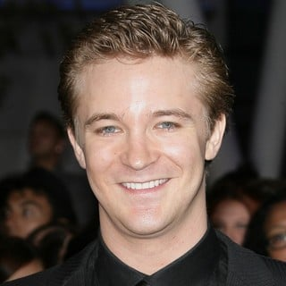 Michael Welch in The Premiere of The Twilight Saga's Breaking Dawn Part II - michael-welch-premiere-breaking-dawn-2-01