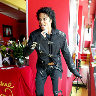 Madame Tussauds in Washington, D.C. Installs a Michael Jackson Tribute Exhibit