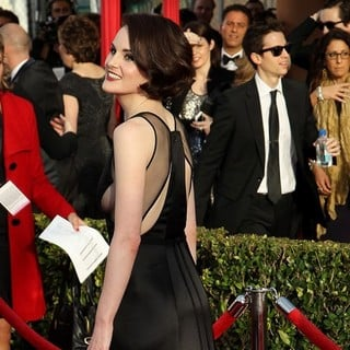 Michelle Dockery in 19th Annual Screen Actors Guild Awards - Arrivals - michelle-dockery-19th-annual-screen-actors-guild-awards-03