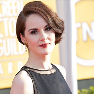 Michelle Dockery in 19th Annual Screen Actors Guild Awards - Arrivals - michelle-dockery-19th-annual-screen-actors-guild-awards-06