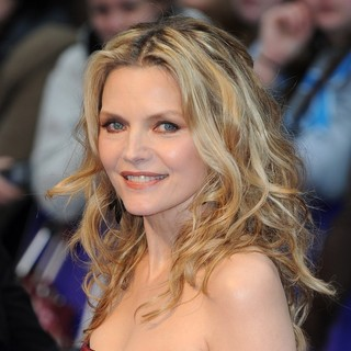 Michelle Pfeiffer in UK Premiere of Dark Shadows - Arrivals