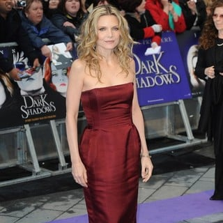 Michelle Pfeiffer in UK Premiere of Dark Shadows - Arrivals - michelle-pfeiffer-uk-premiere-dark-shadows-05