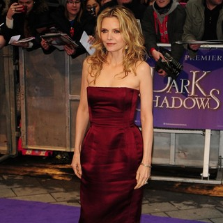 Michelle Pfeiffer in UK Premiere of Dark Shadows - Arrivals - michelle-pfeiffer-uk-premiere-dark-shadows-06
