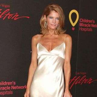 Michelle Stafford in 2011 Daytime Emmy Awards - Red Carpet