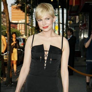 Michelle Williams in Special Screening of Take This Waltz - Outside Arrivals