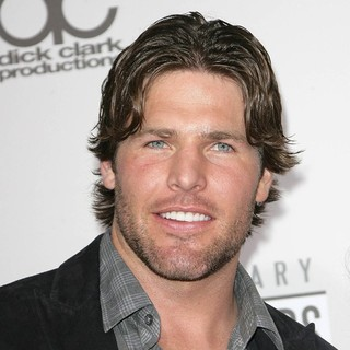 Mike Fisher in The 40th Anniversary American Music Awards - Arrivals