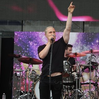 Mike Posner Photos