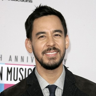 Mike Shinoda, Linkin Park in The 40th Anniversary American Music Awards - Arrivals