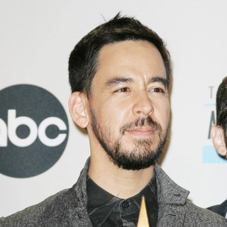 Mike Shinoda, Linkin Park in The 40th Anniversary American Music Awards - Press Room