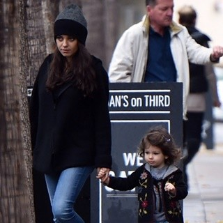 Mila Kunis - Mila Kunis and Her Daughter Wyatt Kutcher Leaving Joans On Third