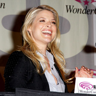 Ali Larter in Promoting the new movie Resident Evil: Afterlife at the 2010 WonderCon