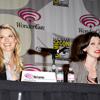 Ali Larter, Milla Jovovich in Promoting the new movie Resident Evil: Afterlife at the 2010 WonderCon