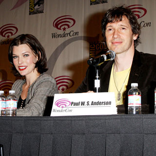 Milla Jovovich, Paul W.S. Anderson in Promoting the new movie Resident Evil: Afterlife at the 2010 WonderCon