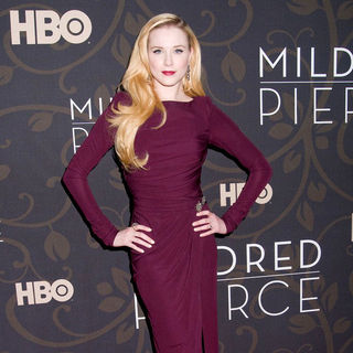 "Evan Rachel Wood in The New York Premiere of ""Mildred Pierce"" - Arrivals"