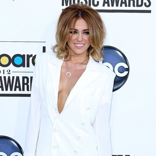 Miley Cyrus in 2012 Billboard Music Awards - Arrivals - miley-cyrus-2012-billboard-music-awards-02