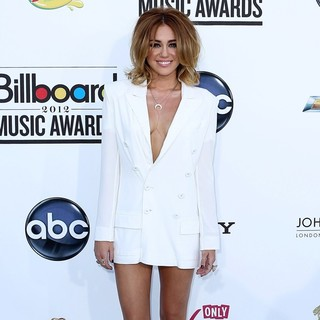 Miley Cyrus in 2012 Billboard Music Awards - Arrivals - miley-cyrus-2012-billboard-music-awards-03