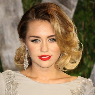 Miley Cyrus in 2012 Vanity Fair Oscar Party - Arrivals