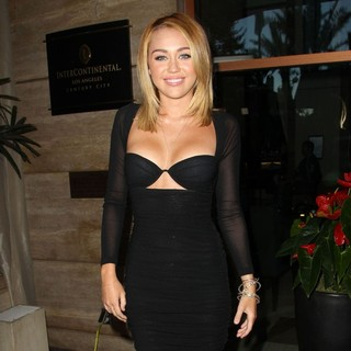 Miley Cyrus in Australians in Film Awards and Benefit Dinner 2012 - Arrivals