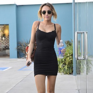 Miley Cyrus Leaving Winsor Pilates on Melrose Avenue - miley-cyrus-leaving-winsor-pilates-01