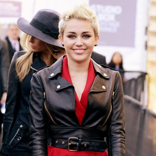 Miley Cyrus in Mercedes-Benz New York Fashion Week Autumn-Winter 2013 - Rachel Zoe - Departures