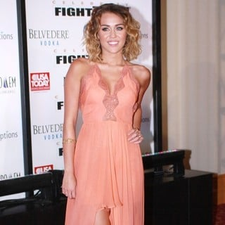 Miley Cyrus in Muhammad Ali's Celebrity Fight Night XIII