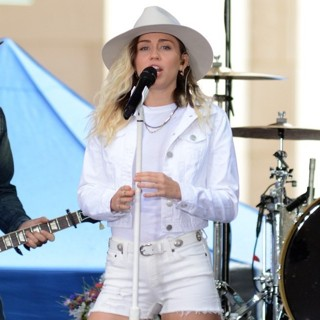 Miley Cyrus-Miley Cyrus Performing Live on Today Show