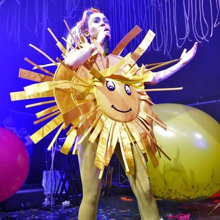 Miley Cyrus - Miley Cyrus and The Flaming Lips Perform Live in Concert During The Dead Petz Tour