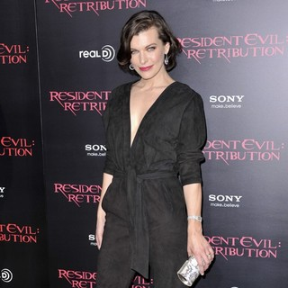Milla Jovovich in Resident Evil: Retribution Los Angeles Premiere - Arrivals