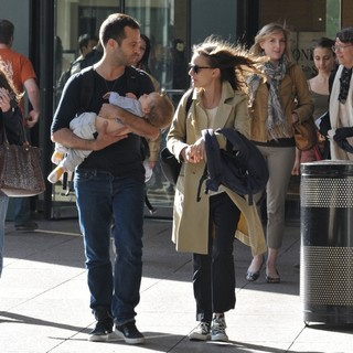 Natalie Portman Spotted with Benjamin Millepied Leaving The Juilliard and SAB Cafe - millepied-portman-leaving-juilliard-and-sab-cafe-04
