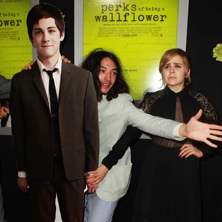 Ezra Miller, Mae Whitman in The Los Angeles Premiere of The Perks of Being a Wallflower - Arrivals