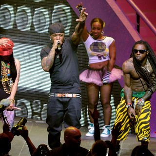 Nicki Minaj, Birdman, Lil Wayne in Nicki Minaj, Birdman and Lil Wayne Performing Live on The Nicki Minaj Tour