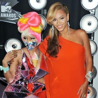 Nicki Minaj, Beyonce Knowles in 2011 MTV Video Music Awards - Arrivals