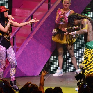 Lil Wayne - Nicki Minaj and Lil Wayne Performing Live on The Nicki Minaj Tour