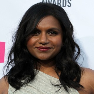 Mindy Kaling in 17th Annual Critic's Choice Movie Awards - Arrivals - mindy-kaling-17th-annual-critic-s-choice-movie-awards-02