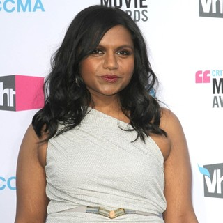 Mindy Kaling in 17th Annual Critic's Choice Movie Awards - Arrivals - mindy-kaling-17th-annual-critic-s-choice-movie-awards-04
