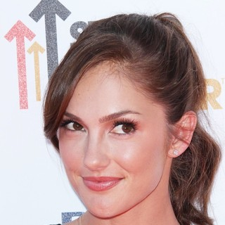 Minka Kelly in Stand Up To Cancer 2012 - Arrivals - minka-kelly-stand-up-to-cancer-2012-01