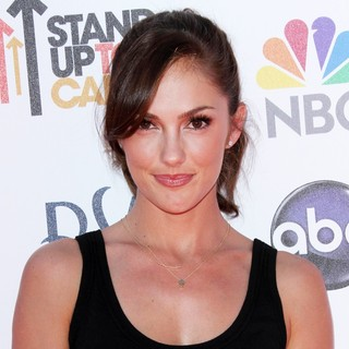 Minka Kelly in Stand Up To Cancer 2012 - Arrivals